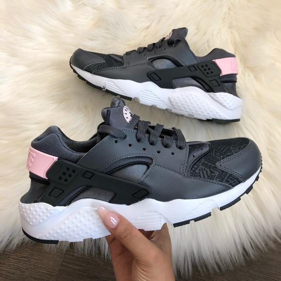d0a670af6ad5 New Nike Huarache Run Special Edition Grey + Pink